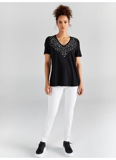 Faik Sönmez  V Yakalı Taş Detaylı T-Shirt 61618 Siyah